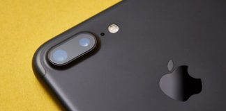 The 2019 iPhone reportedly could boast three camera lenses