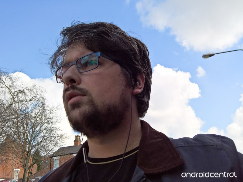 earphones-ugly-beard-guy.jpg?itok=Xe-14q