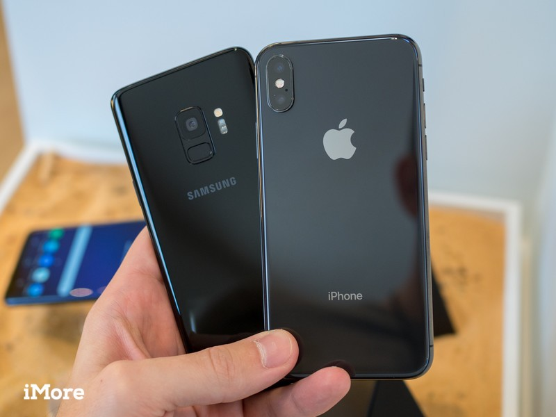 galaxy-s9-vs-iphone-x-1.jpg?itok=F67PLPM