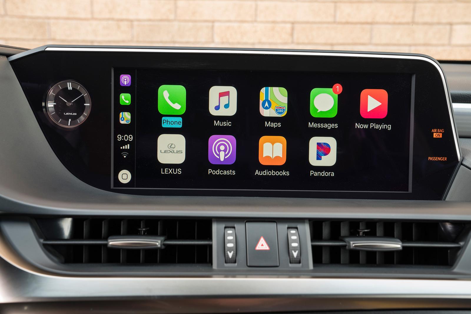CarPlay in the 2019 Lexus ES