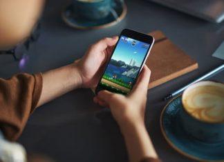 Under new leader, Nintendo sets mobile-game revenue target near $1 billion