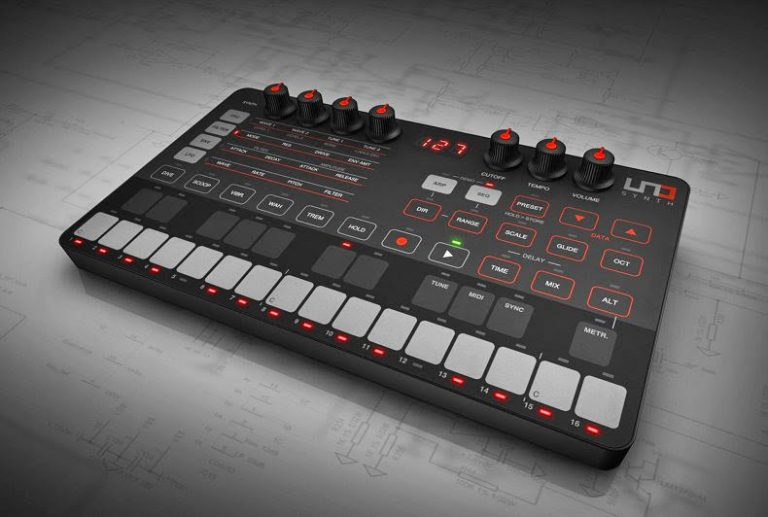 The $200 Uno synth crams a ton of features into a small package