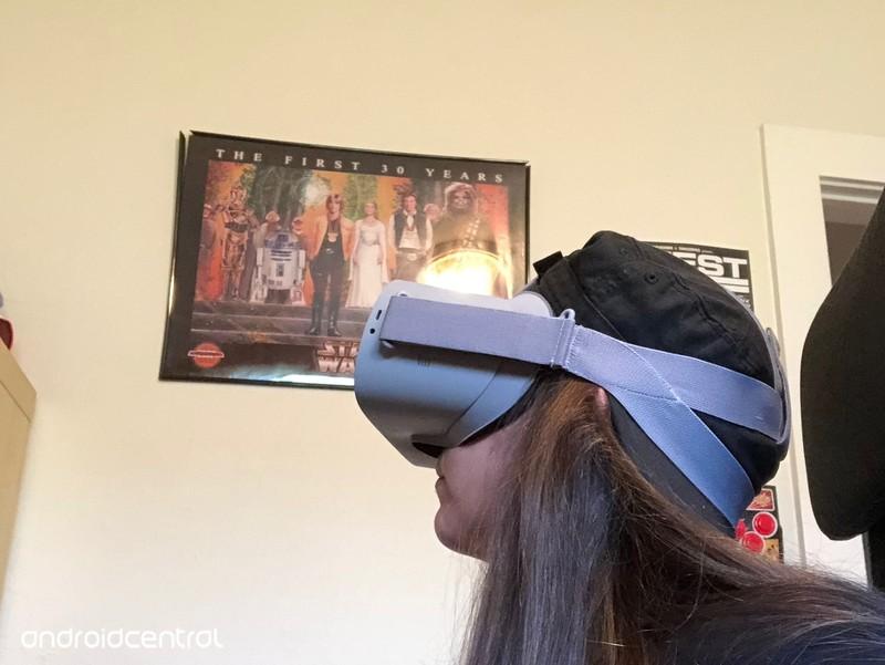 oculus-go-hat-fitting.jpg?itok=bBd_9xgl