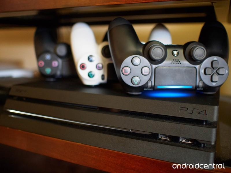 ps4-controllers.jpg?itok=VA5cQfAy