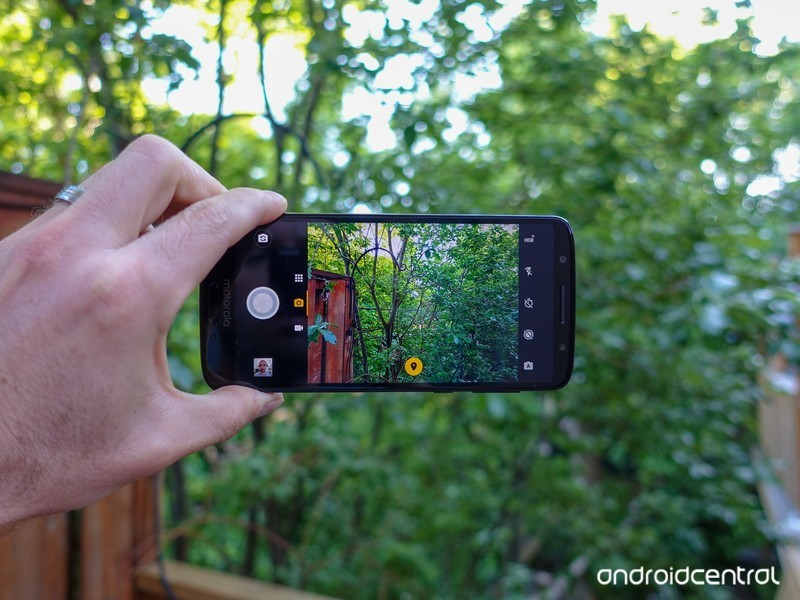 Moto G6 review: Finding success in compromise | AIVAnet