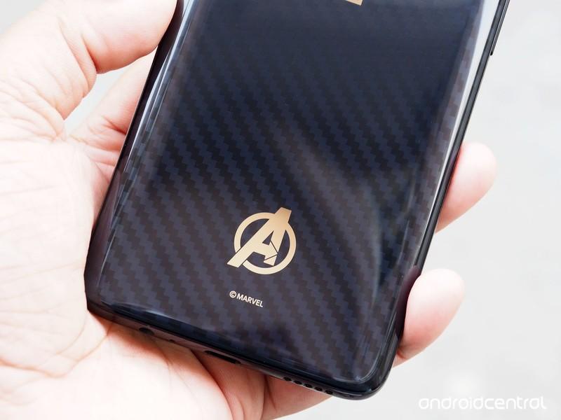 oneplus-6-avengers-back-logo.jpg?itok=1r