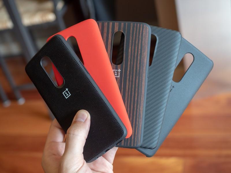 oneplus-6-cases-4.jpg?itok=HCbboYeM