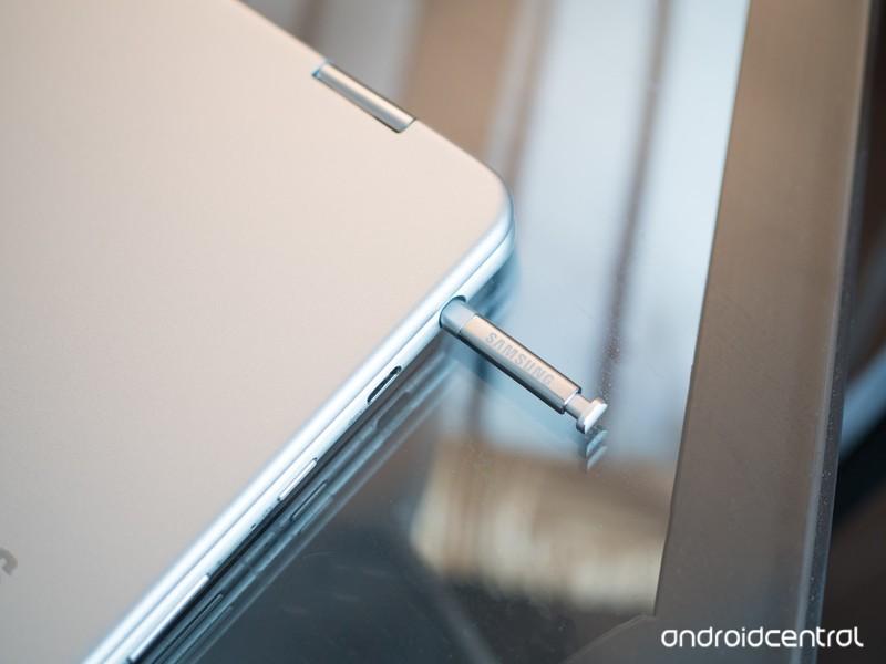 samsung-chromebook-pro-stylus-silo.jpg?i