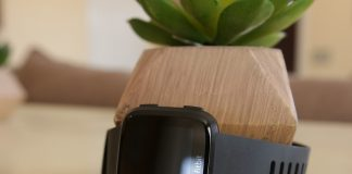 How to pair a Fitbit Versa with a new phone
