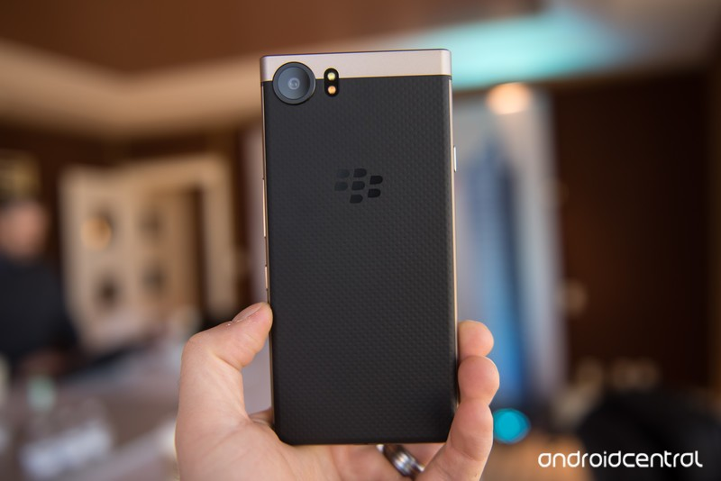 blackberry-keyone-bronze-edition-2.jpg?i