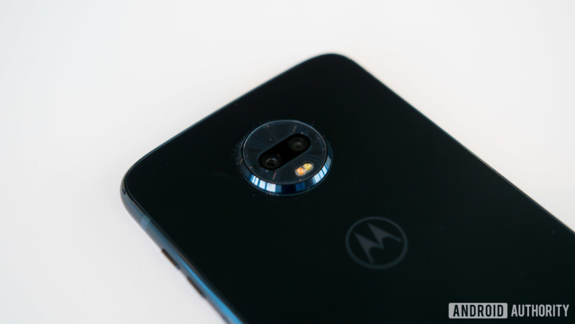 motorola moto z3 play with dual camera on the back