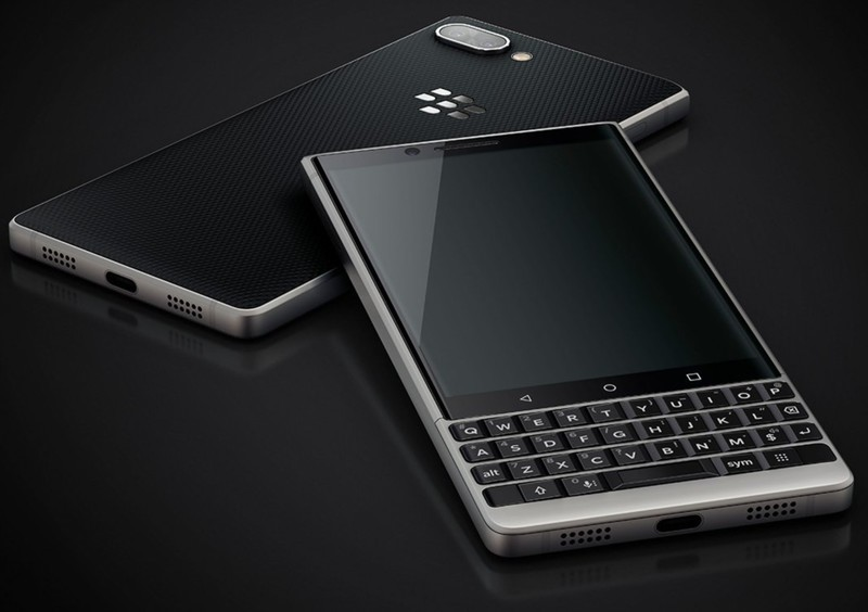 blackberry-key2-eb-1.jpg?itok=_b7DZD8A