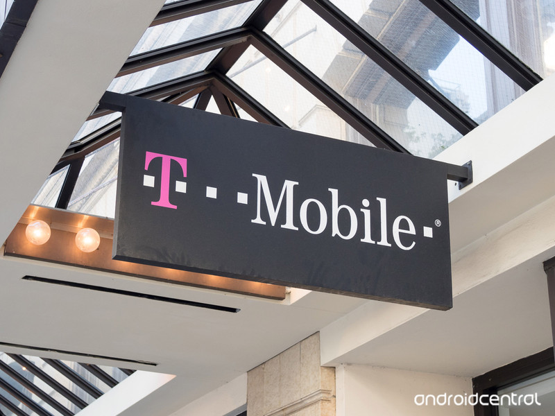 T-Mobile-Store-Hero-Web.jpg?itok=2Arp-gg