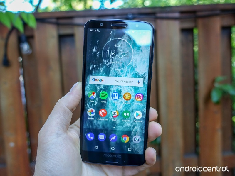 moto-g6-review-16.jpg?itok=P-HE5Y8H
