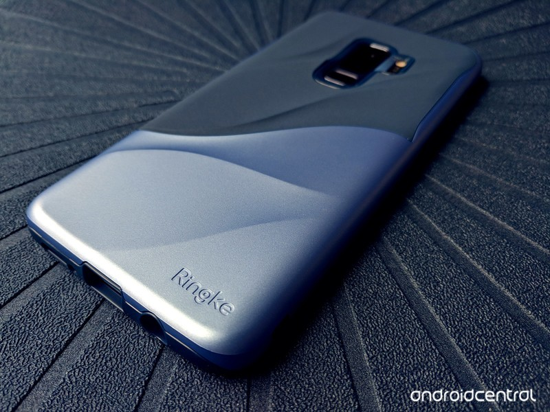 ringke-wave-s9plus-blue-angled-logo-bull