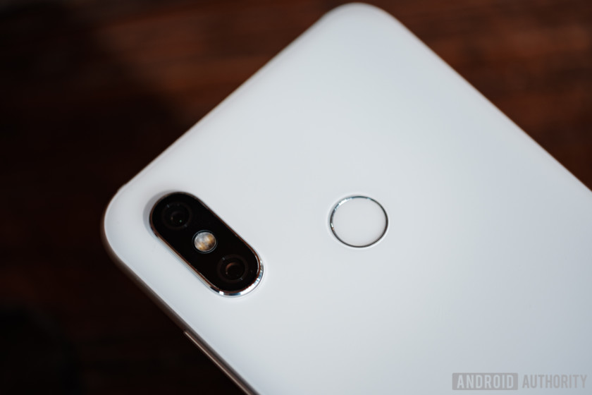 the dual camera seen on the back of the white xiaomi mi 8