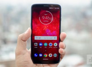 Moto Z3 Play vs. Honor View 10: Which midrange phone should be in your pocket?