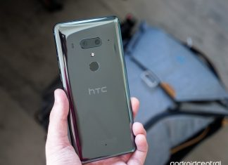 HTC's already having shipping problems with the U12+