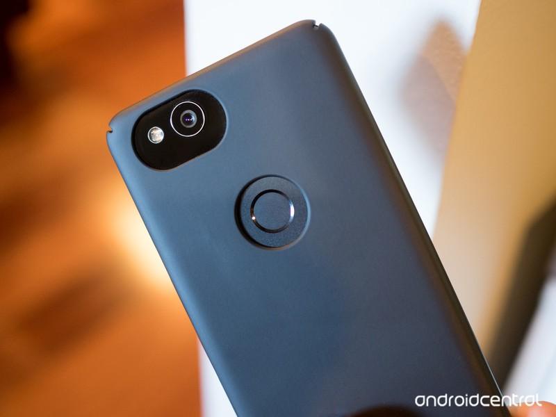 google-pixel-2-fingerprint-sensor-with-c