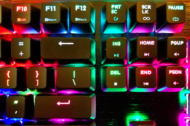 cooler master mechanical keyboard shines like christmas ck552
