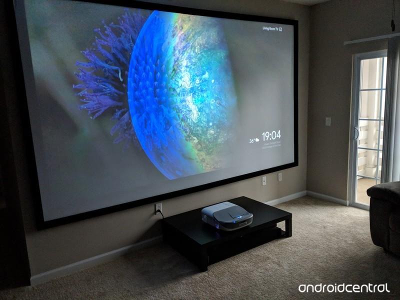 projector-chromecast.jpg?itok=pZT0bga_