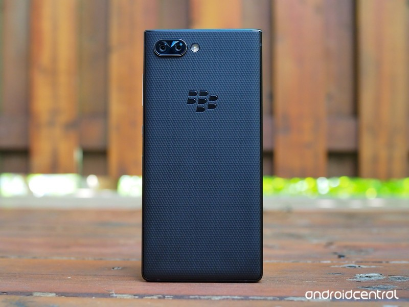 blackberry-key2-review-14.jpg?itok=9s3ur