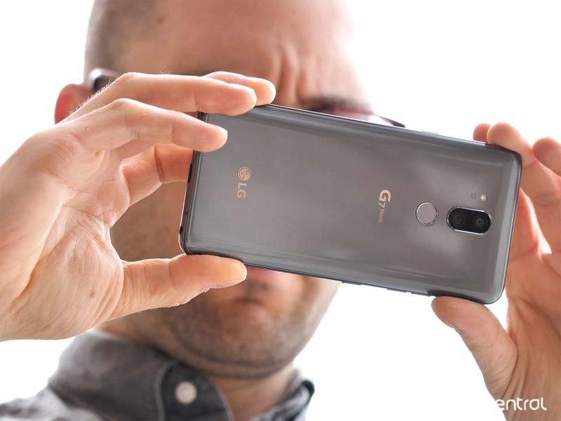 lg-g7-review-9.jpg?itok=Skpvl7Mt