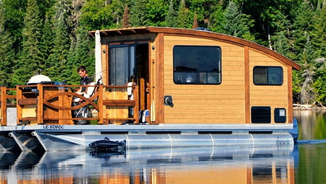 daigno solar powered houseboat 11