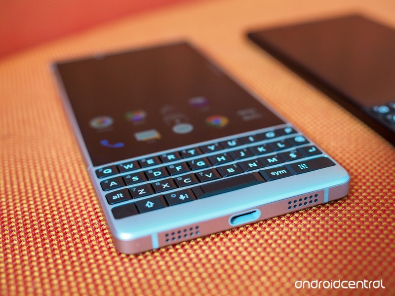 blackberry-key2-preview-3.jpg?itok=QmoQ2