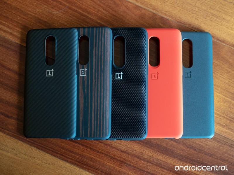 oneplus-6-cases-2.jpg?itok=UjGuOOvZ