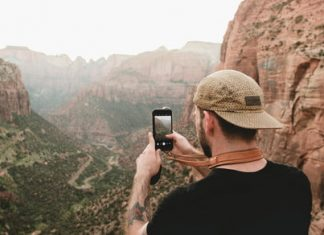 With manual controls, Moment's new app makes a smartphone feel more like a DSLR