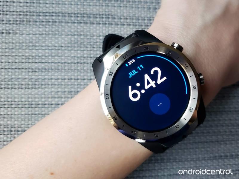 ticwatch-pro-blue-quoti-grey-right.jpg?i