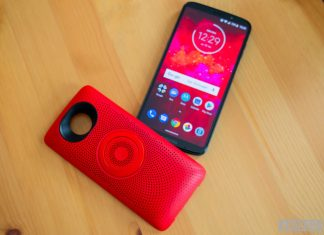 Moto Z3 Play review: The value is still in the Moto Mods