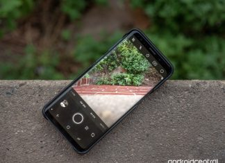 Hands-on with Moment's new best-in-class Pro Camera app
