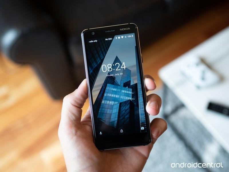 nokia-3-2018-lock-screen-in-hand.jpg?ito