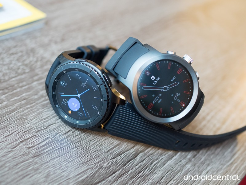 lg-watch-sport-vs-gear-s3-6.jpg?itok=cRr