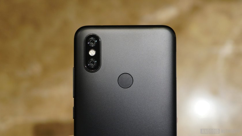 The top half of the Xiaomi Mi A2 from behind.