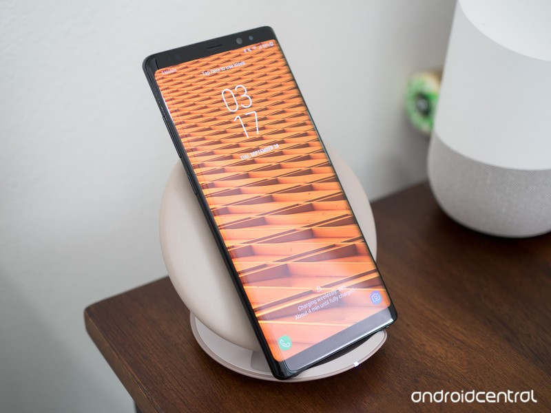 galaxy-note-8-on-standing-wireless-charg