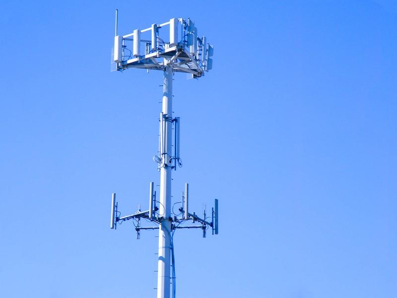 cell-tower-wikimedia-3a8f.jpg?itok=OoONA