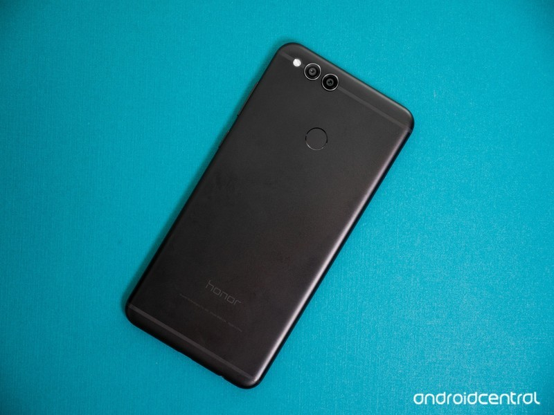 honor-7x-second-review-3.jpg?itok=Is7reI