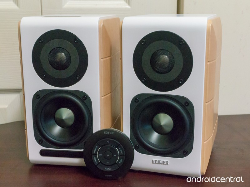 edifier-s880db-speakers-2.jpg?itok=lhcK0