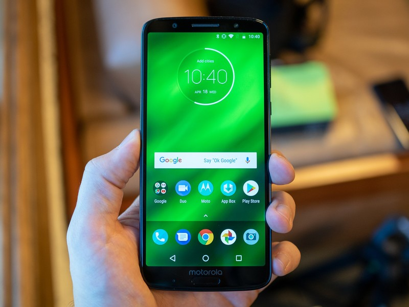 moto-g6-plus-front-straight-screen-on.jp