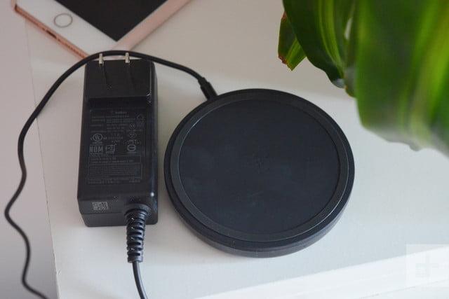 Belkin BoostUp Wireless Charging Pad plug