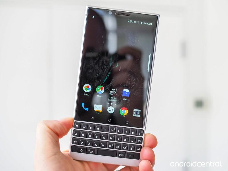blackberry-key2-preview-4.jpg?itok=66dE9