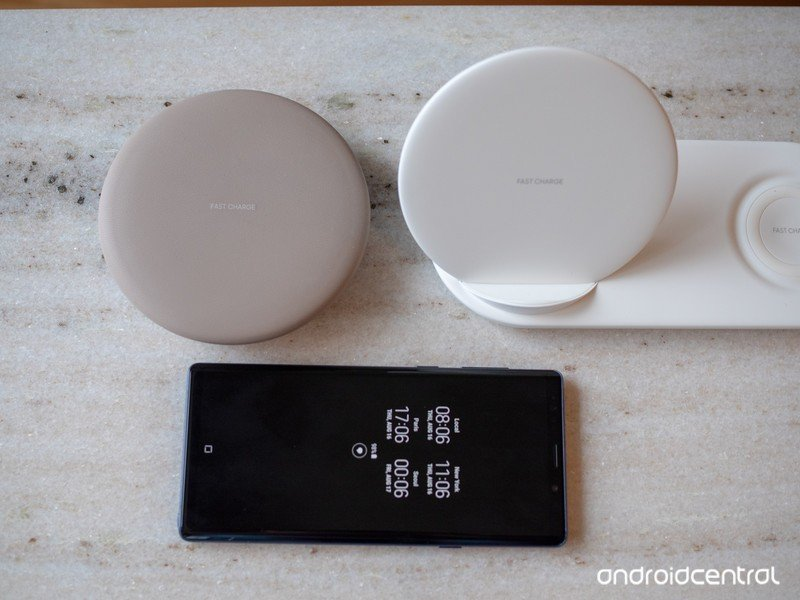 samsung-wireless-charger-duo-size.jpg?it