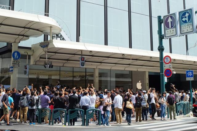 apple store opens in kyoto japan trevor mogg dt 1