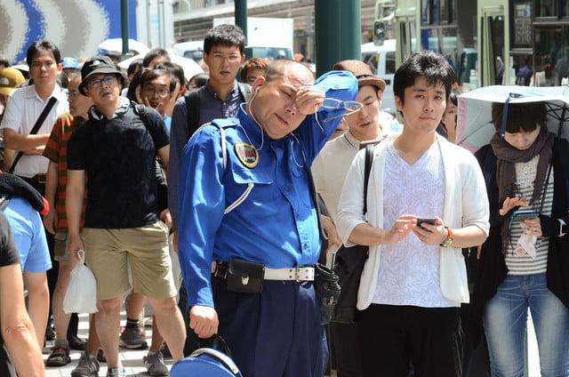 apple store opens in kyoto japan trevor mogg dt 3