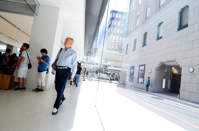 apple store opens in kyoto japan trevor mogg dt 10