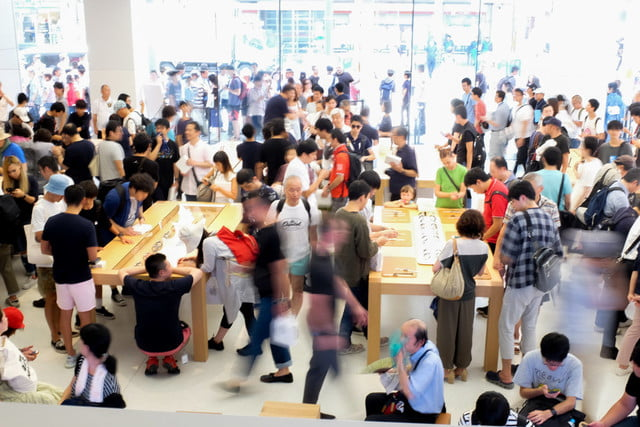 apple store opens in kyoto japan trevor mogg dt 14