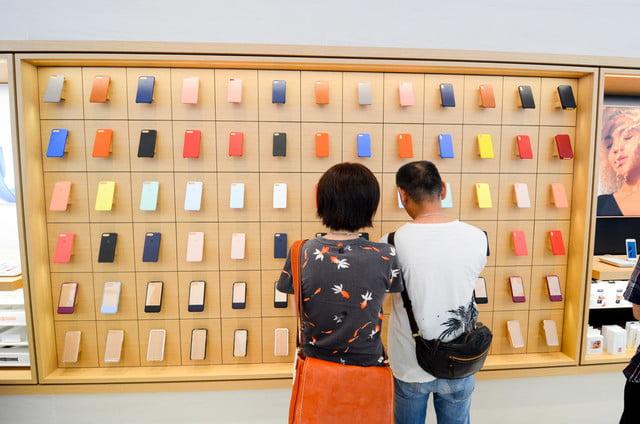 apple store opens in kyoto japan trevor mogg dt 13